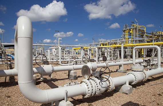 Use proven solutions for natural gas processing, gas transmission and distribution, liquid pipelines, and terminal management.